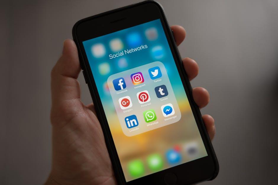 funeral homes social media